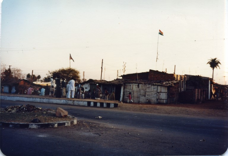 Bhopal, 1985, slums across from the Union Carbide factory