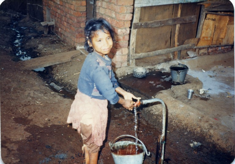 Bhopal 1985 child from slums across Union Carbide plant