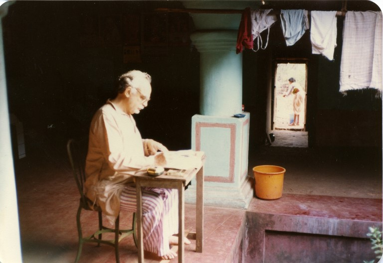 Alfred de Grazia 1985 writing A Cloud Over Bhopal