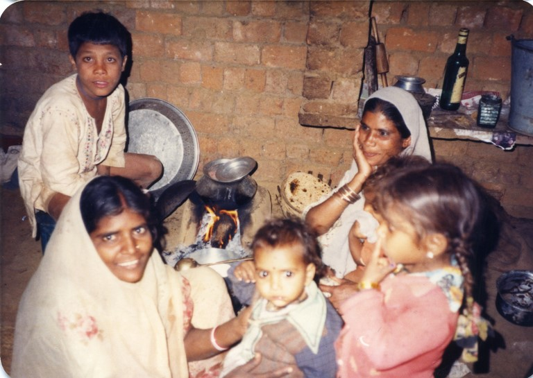 Bhopal 1985 workers of Union Carbide home