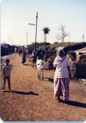 Bhopal, 1985, slums across from Union Carbide factory