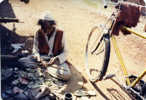 Bhopal 1985 escaped chemical catastrophe on his bicycle