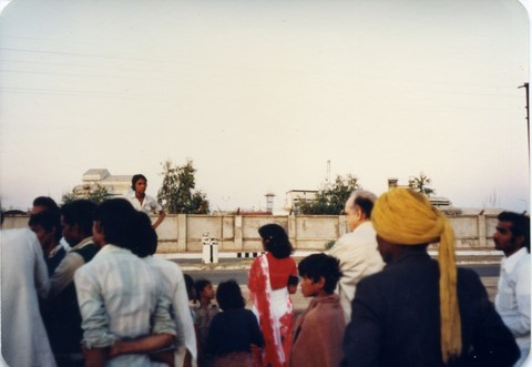 Bhopal, 1985, in front of Union Carbide plant