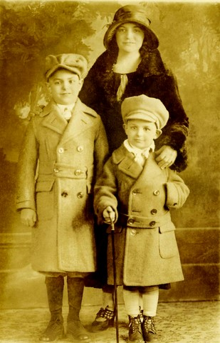 Sebastian, Katherine née Lupo and Alfred de Grazia (1920s)